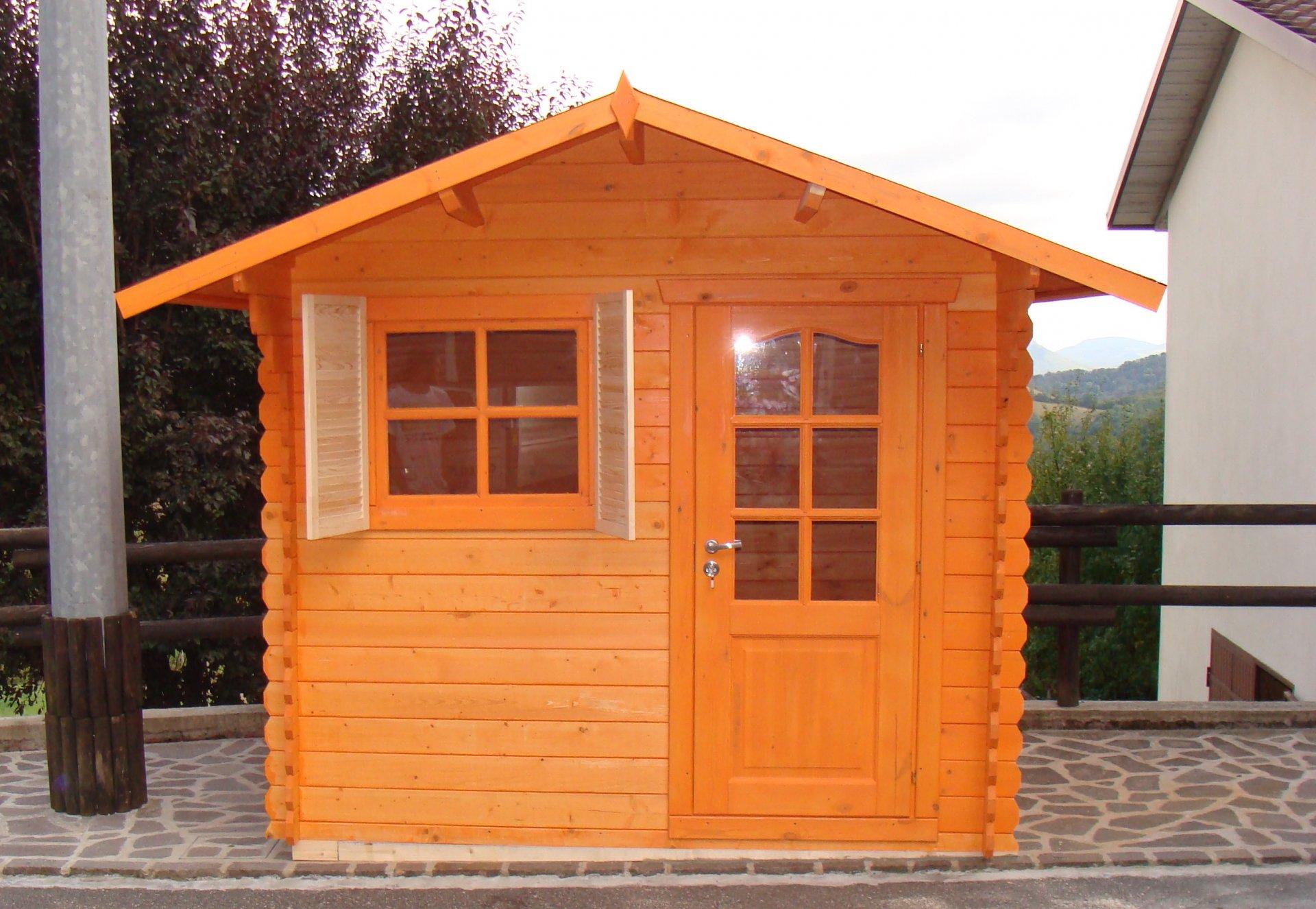 Casetta in legno con porta singola da 2 5x3 risparmia online for Casetta con seminterrato