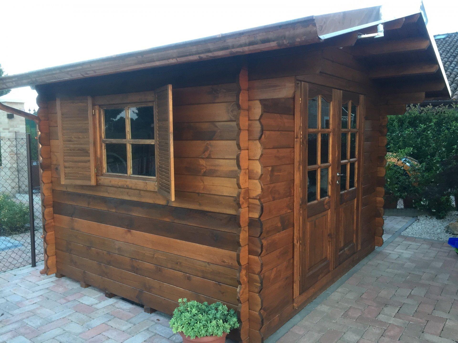 Casette in legno 3x2 5 con porta doppia dekalux for Terreno con casetta in legno