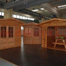 casetta di legno per giardino