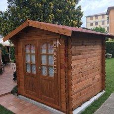 casetta in legno prefabbricata