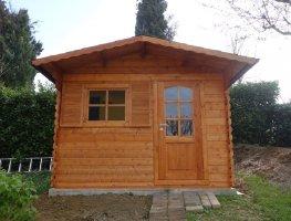 casetta in legno con porta singola