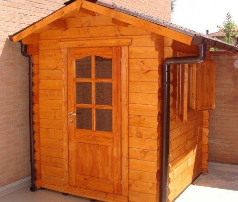 Casetta in legno compatta